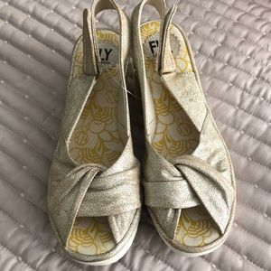 Fly London Yakin Sandals, gold, New!! Size 39